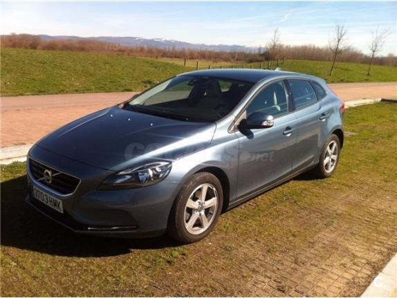 volvo v40 1 6 d2 kinetic diesel del 2012 con 69999km en m laga 32823874. Black Bedroom Furniture Sets. Home Design Ideas