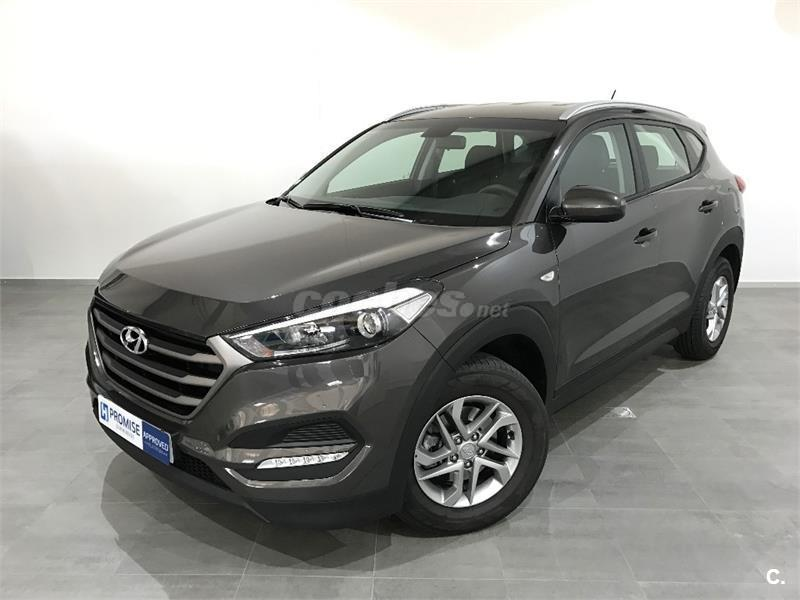 hyundai tucson 4x4 1 7 crdi 115cv bluedrive essence 4x2 diesel de color marr n del a o 2016 con. Black Bedroom Furniture Sets. Home Design Ideas
