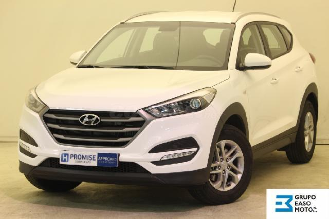 hyundai tucson 4x4 1 7 crdi 115cv bluedrive essence 4x2 diesel de color blanco polar white del. Black Bedroom Furniture Sets. Home Design Ideas