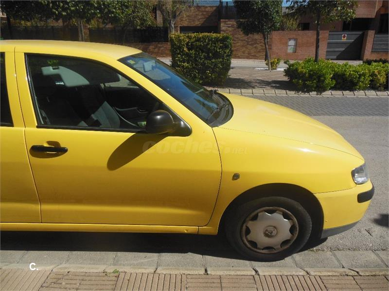 seat ibiza stella gasolina amarillo del 2001 con 79000km en albacete 32890511. Black Bedroom Furniture Sets. Home Design Ideas