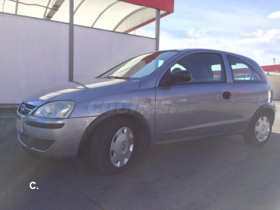 opel corsa blue line 1 3 cdti diesel del 2004 con 199999km en madrid 32910191. Black Bedroom Furniture Sets. Home Design Ideas