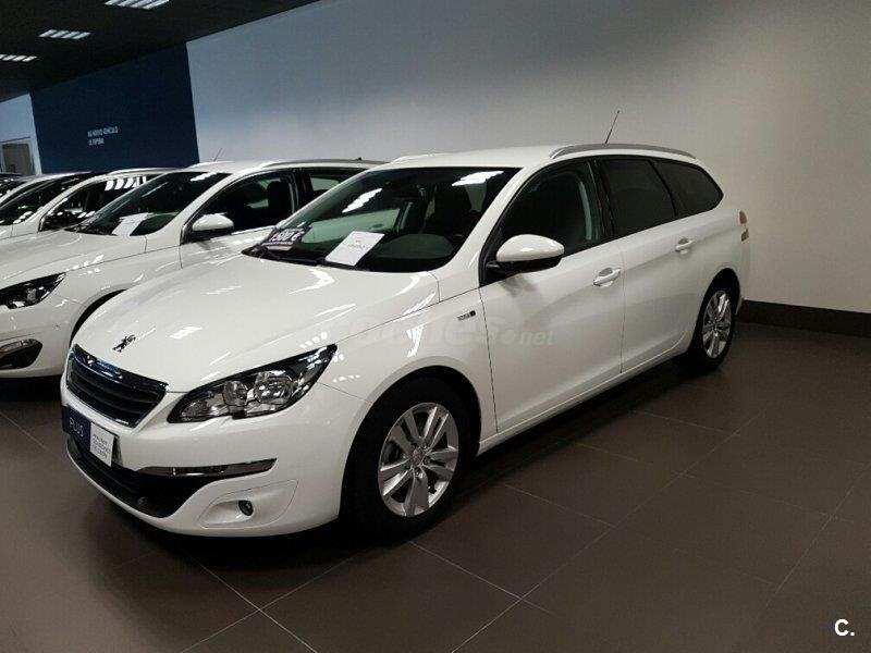 peugeot 308 sw style 1 6 bluehdi 120 eat6 diesel blanco del 2016 con 24776km en toledo 32930992. Black Bedroom Furniture Sets. Home Design Ideas