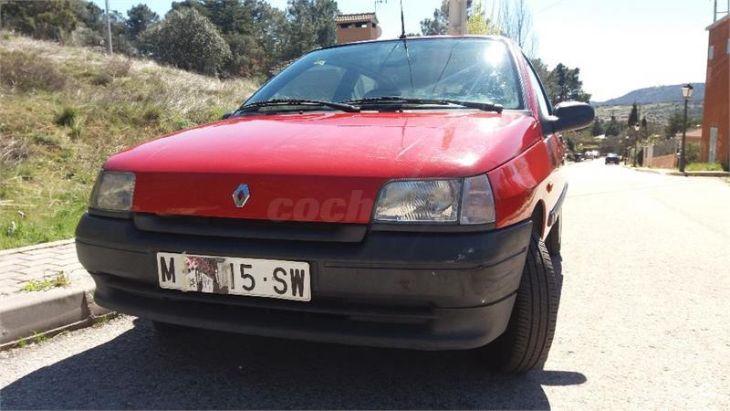 renault clio clio 1 2 chipie gasolina rojo 10 del 1995 con 64600km en madrid 32972402. Black Bedroom Furniture Sets. Home Design Ideas