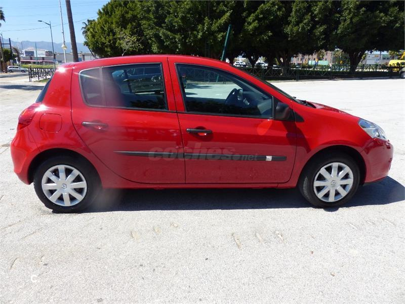 renault clio iii collection dci 75 eco2 diesel rojo del 2013 con 40221km en m laga 33034901. Black Bedroom Furniture Sets. Home Design Ideas