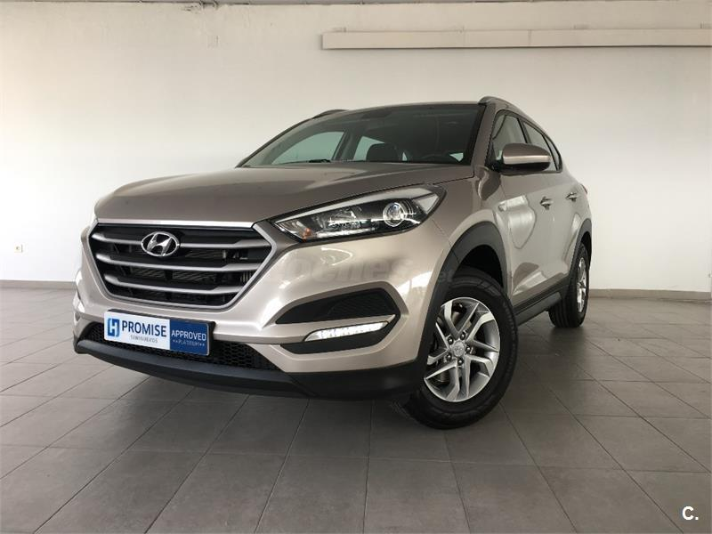 hyundai tucson 4x4 1 7 crdi bluedrive essence 4x2 diesel de color beige white sand del a o. Black Bedroom Furniture Sets. Home Design Ideas