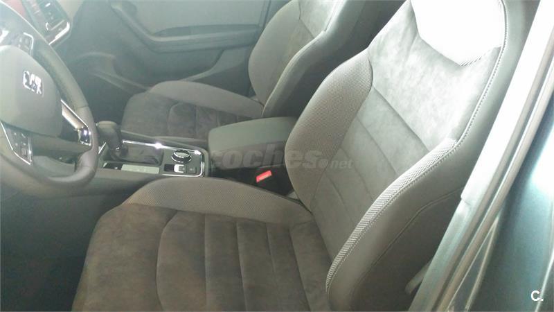 seat ateca 4x4 1 4 ecotsi 110kw dsg7 ss xcellence pl gasolina de nuevo de color gris plata. Black Bedroom Furniture Sets. Home Design Ideas