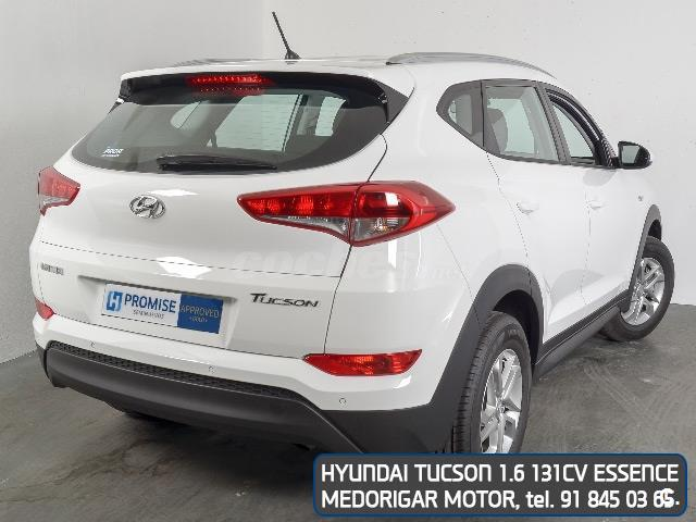 hyundai tucson 4x4 1 6 gdi bluedrive essence 4x2 gasolina de nuevo de color blanco blanco en. Black Bedroom Furniture Sets. Home Design Ideas