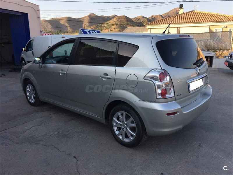 toyota corolla verso 2 2 d4d 136cv sol diesel gris plata del 2008 con 285000km en murcia 33322713. Black Bedroom Furniture Sets. Home Design Ideas