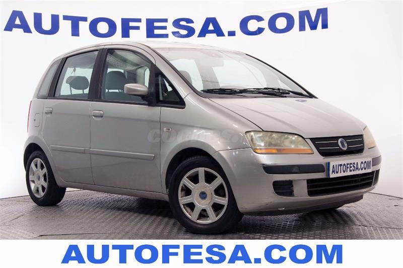 Fiat idea 1 4 16v dynamic gasolina gris plata plata for Consumo del fiat idea 1 4