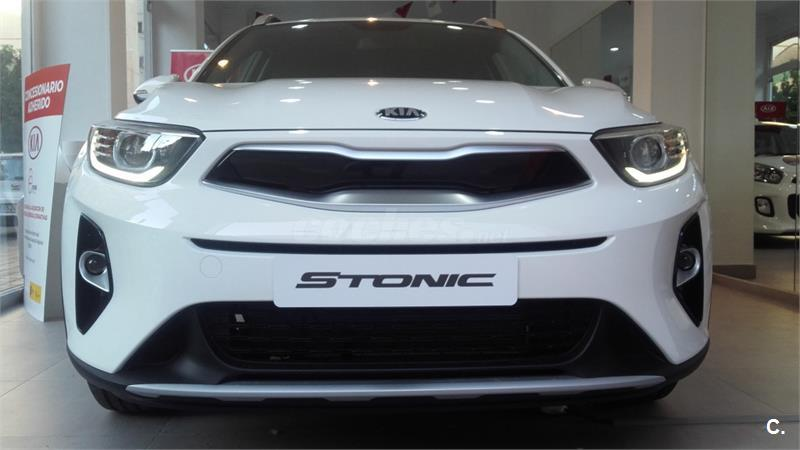 kia stonic 4x4 1 2 cvvt 62kw 84cv drive ecodynamics gasolina de nuevo de color blanco en. Black Bedroom Furniture Sets. Home Design Ideas