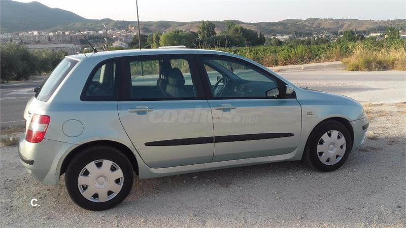 fiat stilo 1 6 dynamic multi wagon gasolina verde 12 del 2003 con 159000km en murcia 34247221. Black Bedroom Furniture Sets. Home Design Ideas