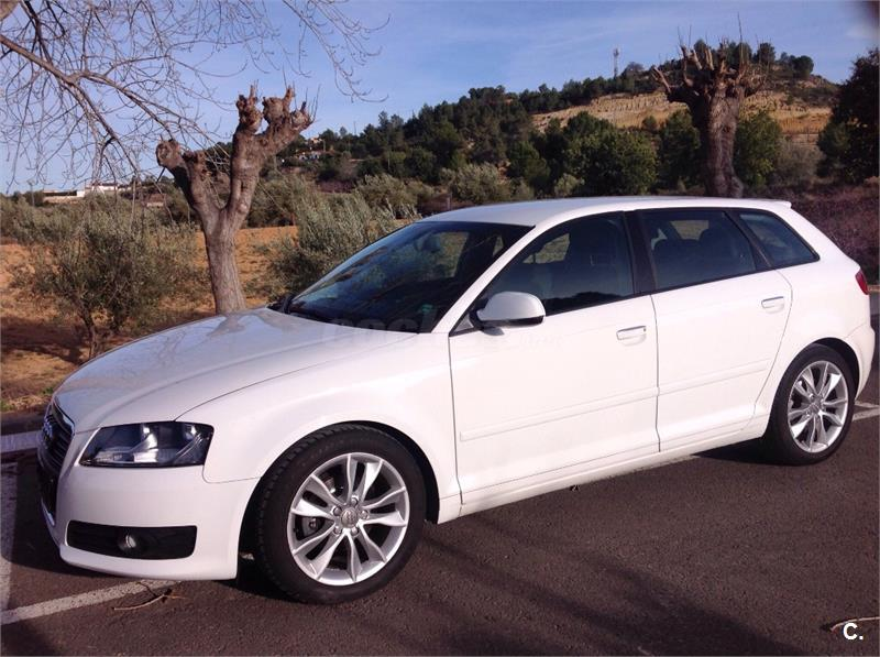 audi a3 sportback 1 6 tdi 105 stronic attraction diesel blanco 4 del 2011 con 100000km en. Black Bedroom Furniture Sets. Home Design Ideas