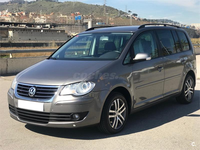 volkswagen touran 2 0 tdi 140 highline diesel gris plata del 2007 con 279000km en barcelona. Black Bedroom Furniture Sets. Home Design Ideas
