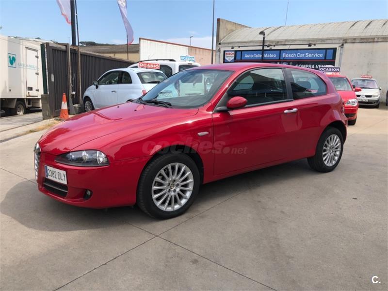 alfa romeo 147 1.9 jtd selective diesel rojo (rojo) del 2005 con