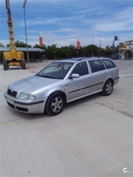 Skoda Octavia 19 Tdi Elegance Combi 4x4 101cv Diesel Gris Plata