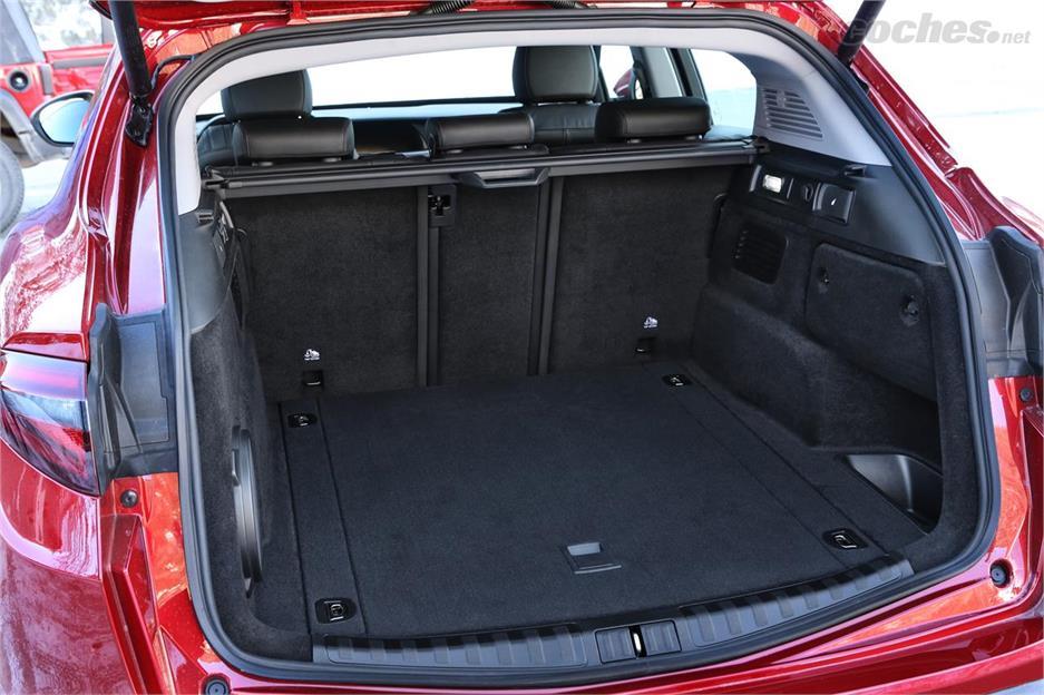 Alfa Romeo Stelvio: Giulia SUV