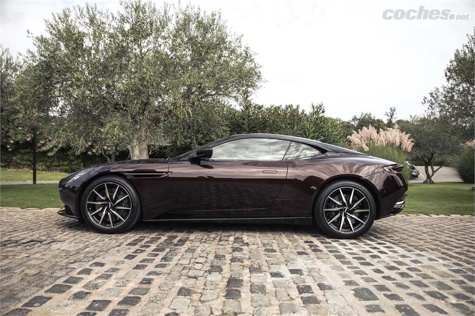 Aston Martin DB11 V8: Exquisito