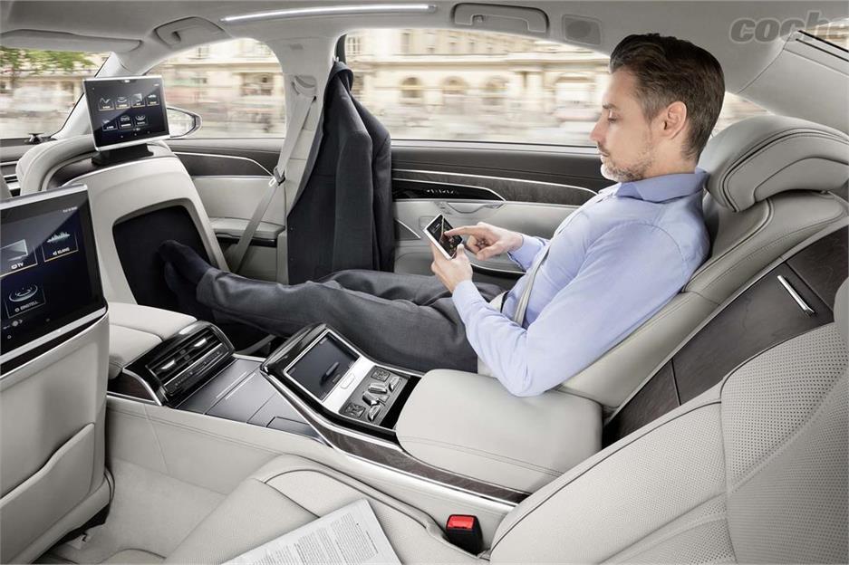 Audi A8, presentado en el Summit