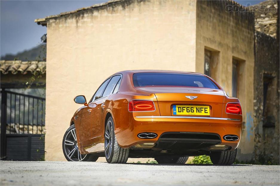Bentley Flying Spur, con flema británica