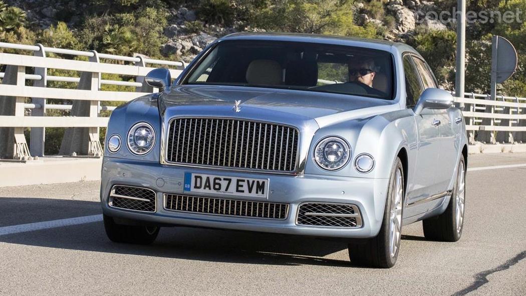 Bentley Mulsanne EWB, a lo James Bond