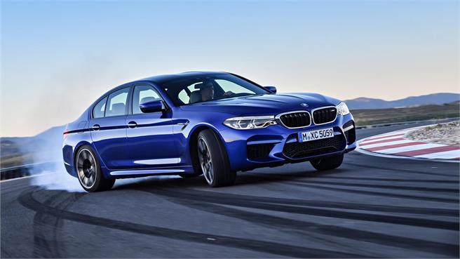 Nuevo BMW M5: Con tracción total o trasera