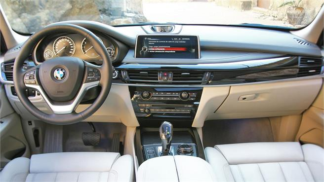 Lexus RX 450h vs BMW X5 40e