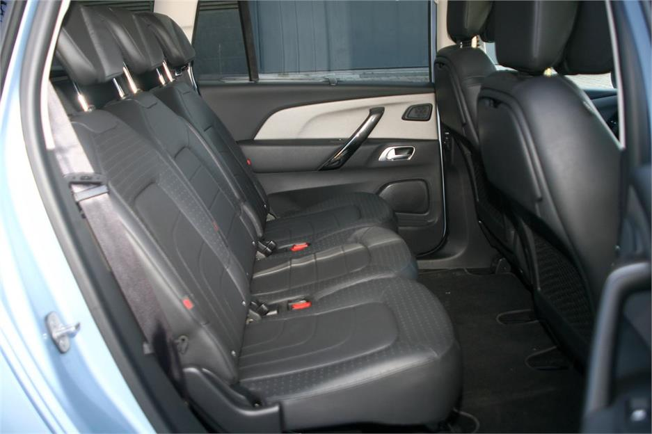 Citroën Grand C4 Picasso - Peugeot 5008
