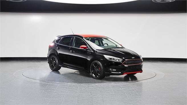 Ford Focus Red Edition y Black Edition
