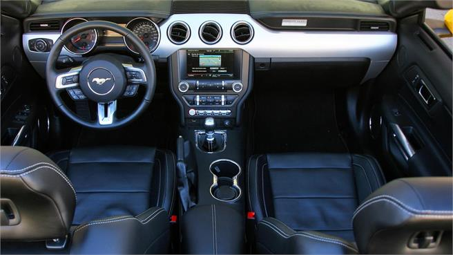 Ford Mustang 2.3 Ecoboost Convertible