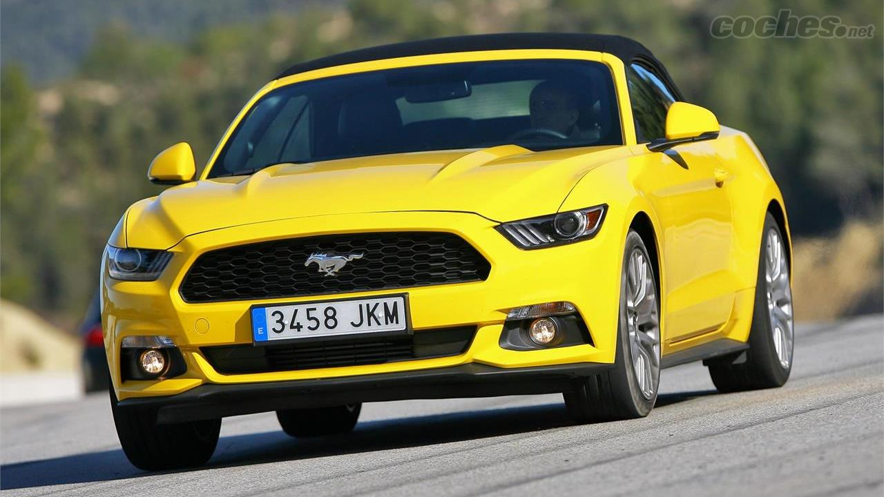 Ford mustang 2 3 ecoboost convertible