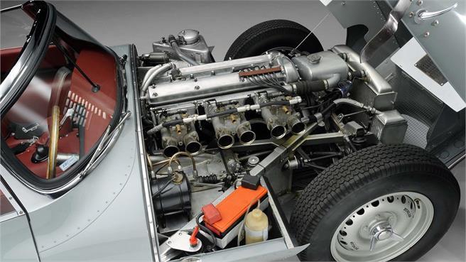 Jaguar XKSS se fabricarán 9 unidades más