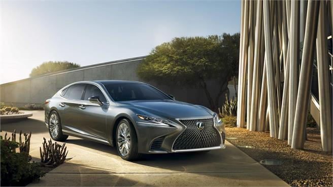 Lexus LS: Debut en Detroit
