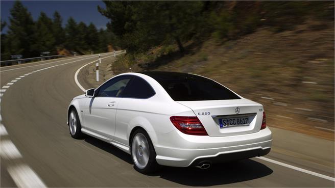 Pruebas mercedes benz clase c 2011 noticias for Mercedes benz deportivo
