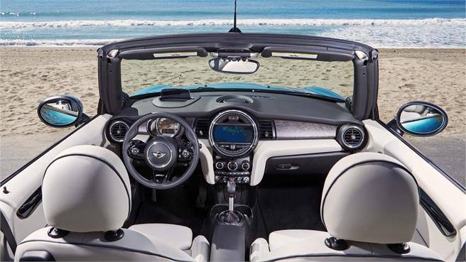 MINI Cabrio, más espacioso y cómodo
