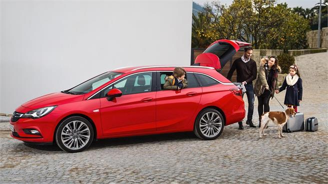 Opel Astra Sports Tourer: Contacto