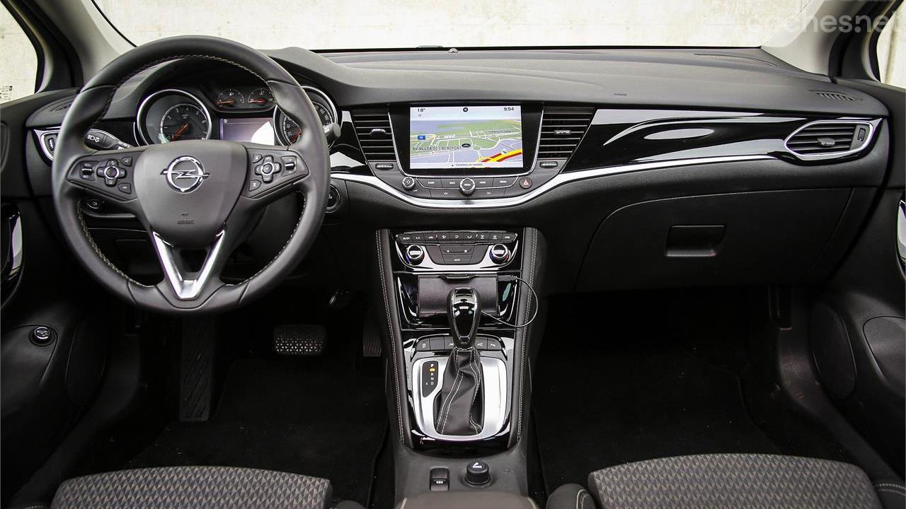 Opel astra sports tourer 1 4 turbo 150 cv auto noticias - Opel astra 5 puertas ...