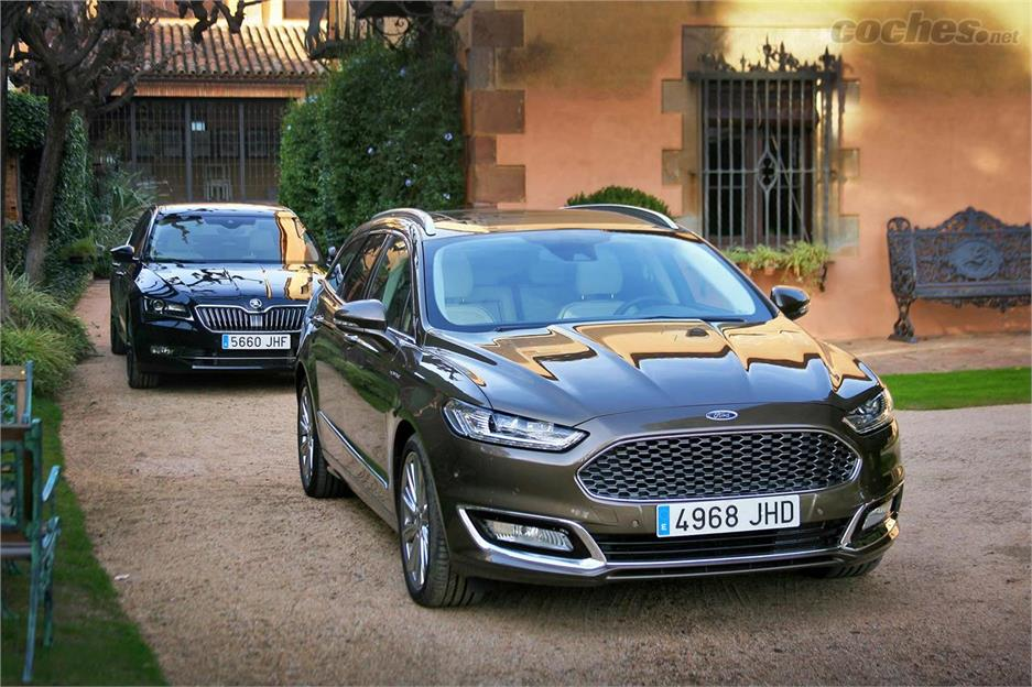 Skoda Superb L&K y Ford Vignale