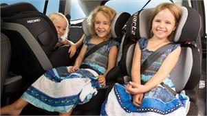 Claves para que los niños viajen en coche seguros