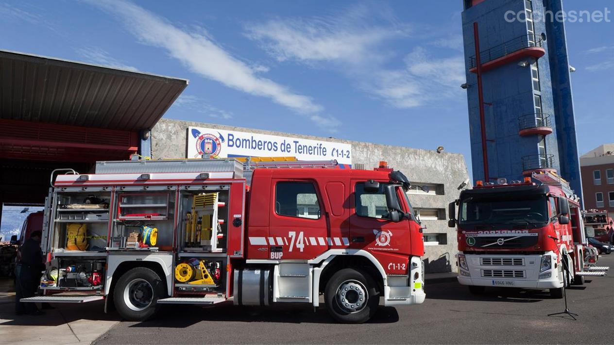 El Volvo FM con los bomberos de Tenerife