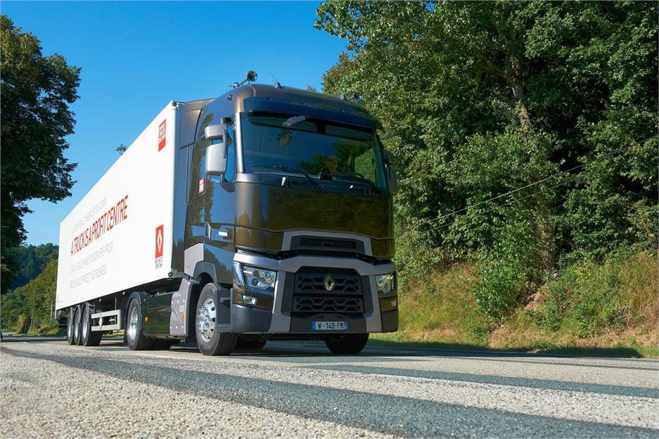 Los gran ruta Euro 6 de Renault