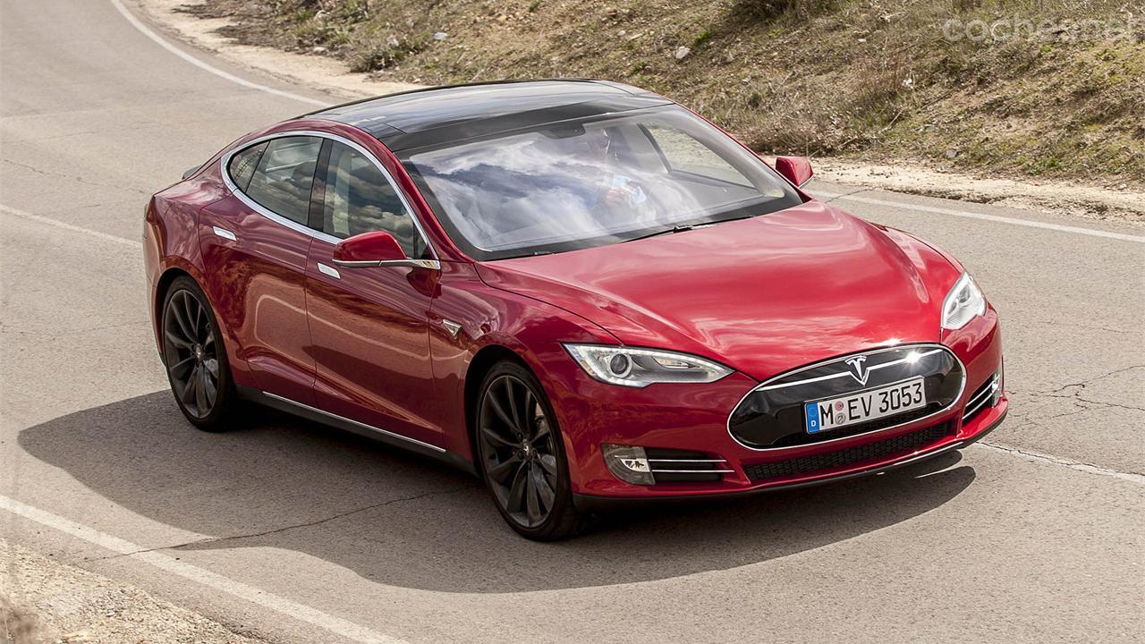 Tesla y BMW apuestan por coche eléctrico