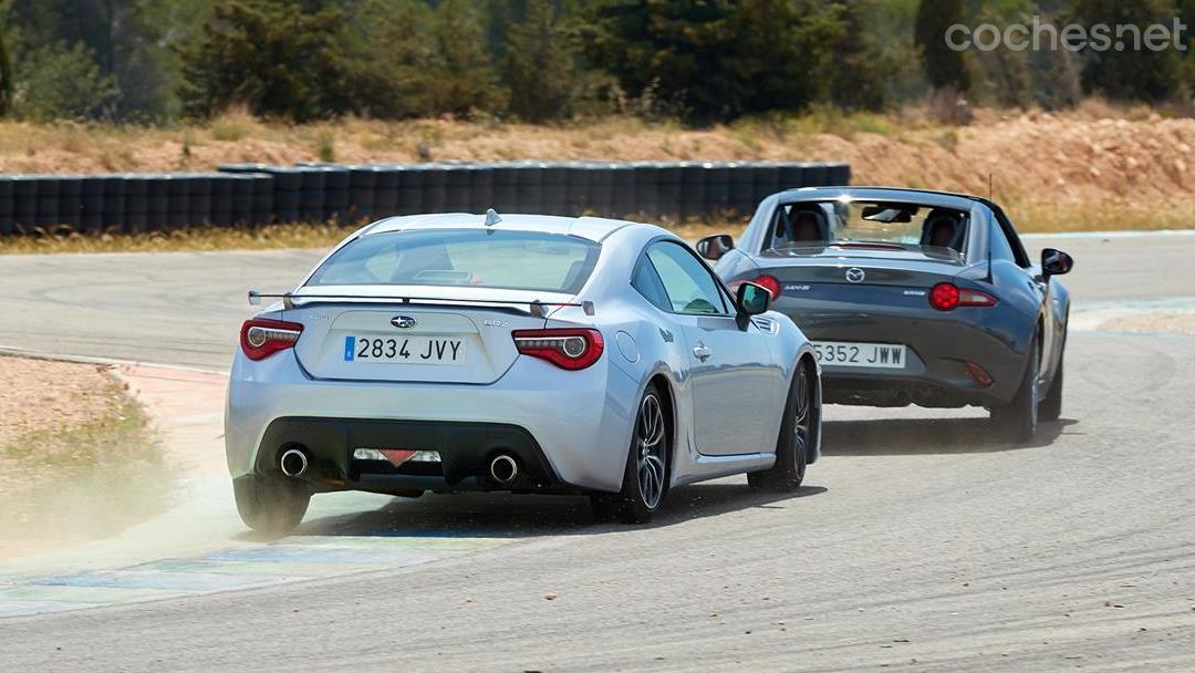 Mazda MX-5 RF vs Subaru BRZ
