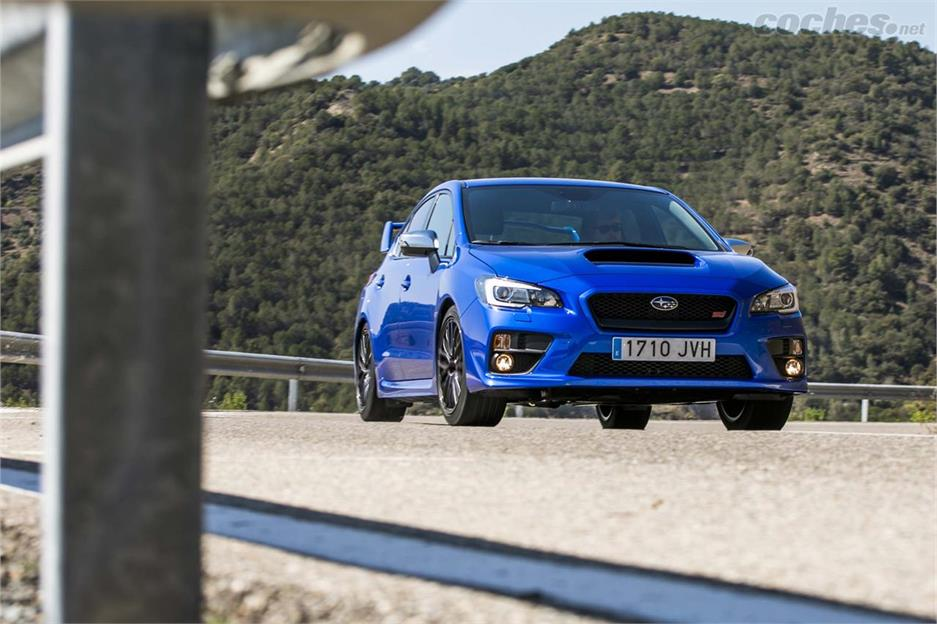 Ford Focus RS vs Subaru WRX STI