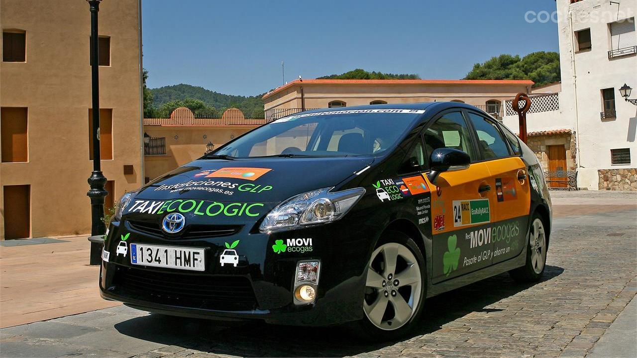 Toyota Prius Movi Ecogas-GLP