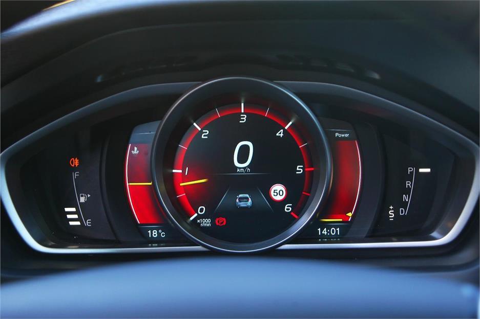 Volvo V40 D4